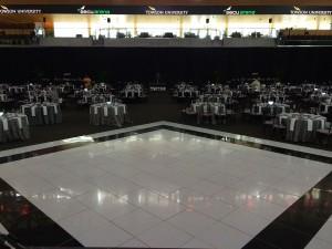 white-floor-w-border